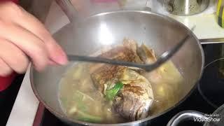 Snapper fish head stew 红烧鱼头