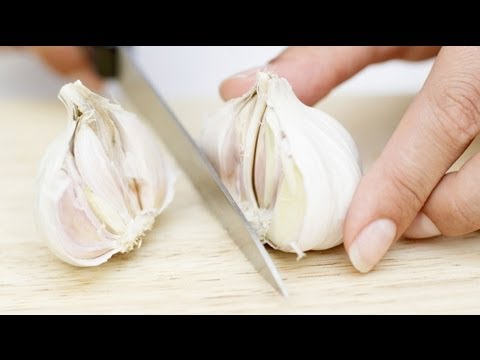 How to Make Sure Your Garlic Hasn't Turned Bitter