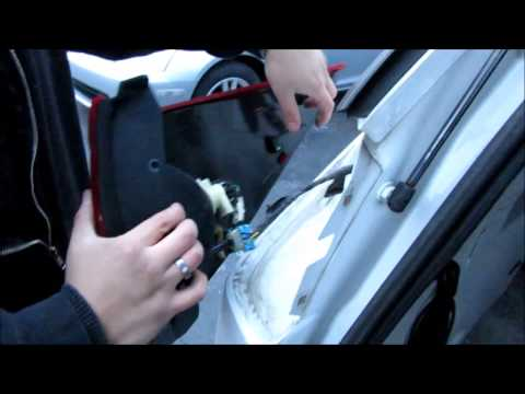 Replacing a Buick Rendezvous Rear Turn Signal Bulb