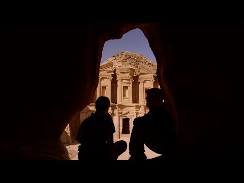 Classroom in Petra: 800 Steps to Becoming an Archaeologist