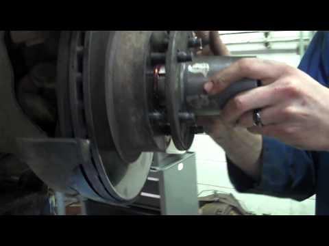Ford Ranger 4x4 hub engagement test