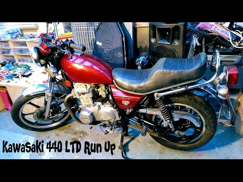 Kawasaki LTD 440 Oil Change and Run up.
