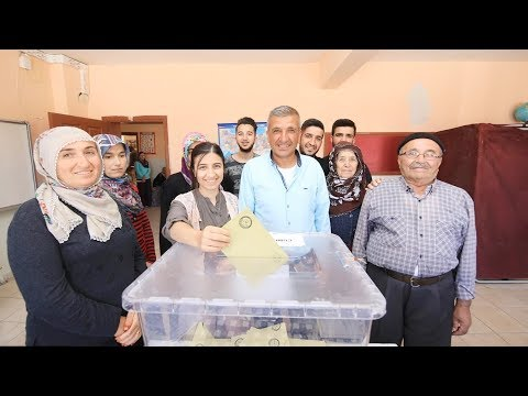 Voters cast ballots as polling stations for Turkey's election open