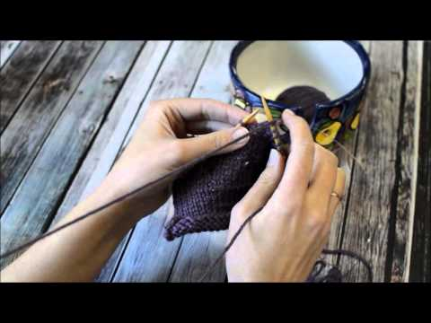 Continental Knitter Tries Portuguese Knitting