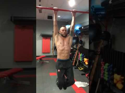 Hanging ab raise for the perfect 6 pack Shredded Abs