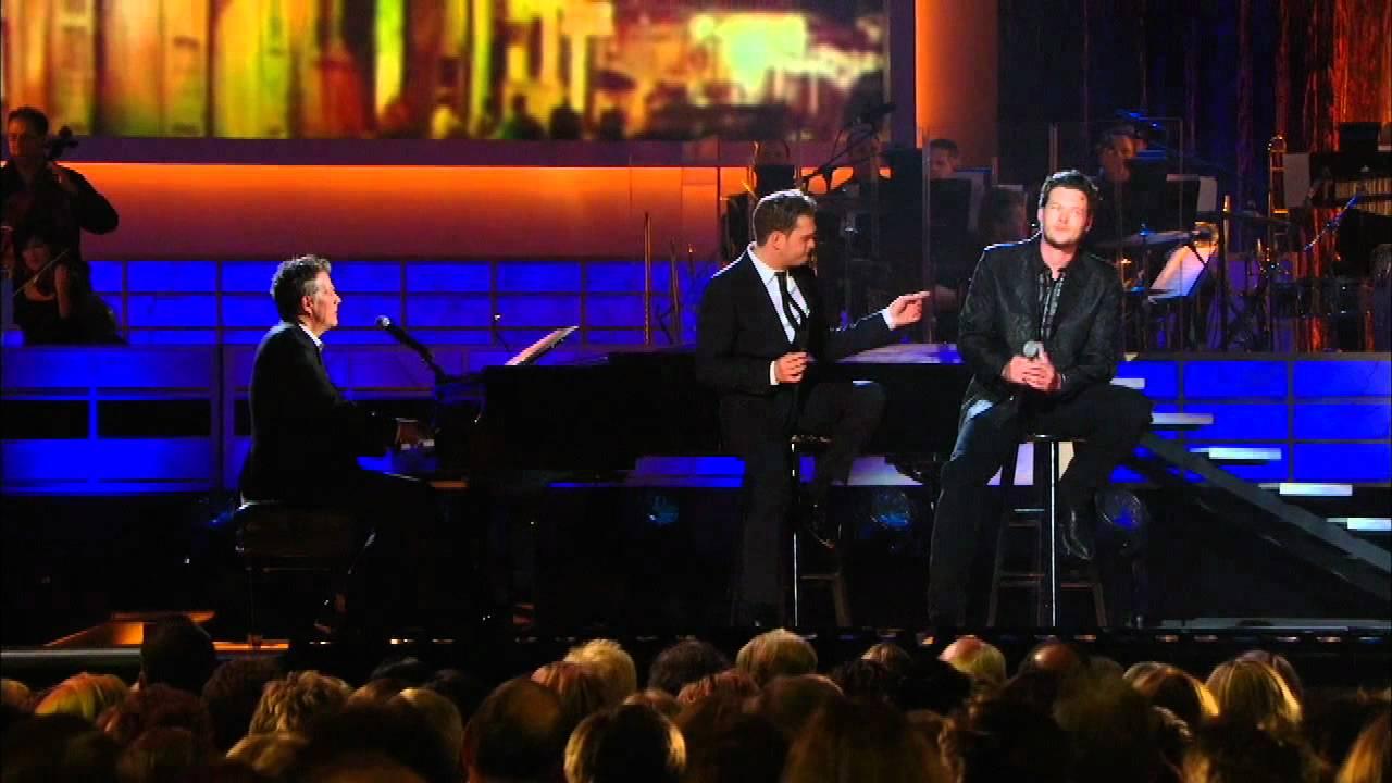 Michael Bublé & Blake Shelton - Home (Live)