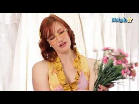DIY Budget Wedding Tips - How to Make a Silk Flower Bouquet
