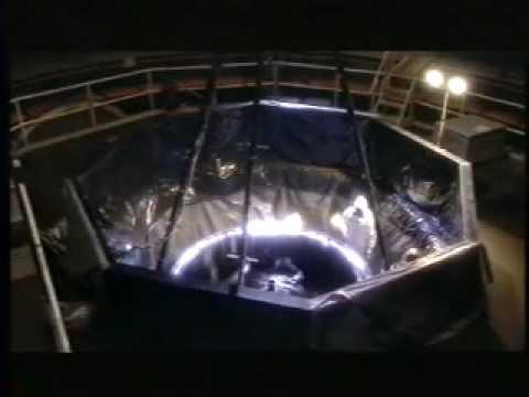 Liquid mirror telescope