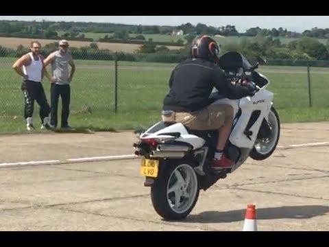Learn How To Do Motorbike Wheelies - Clutch Up Wheelie & Stoppie School UK