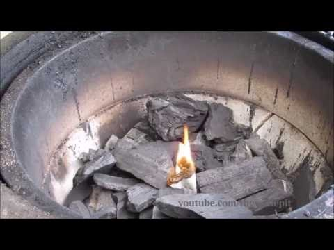 How to Light Charcoal - Charcoal 101 #3 (using homemade fire starters)