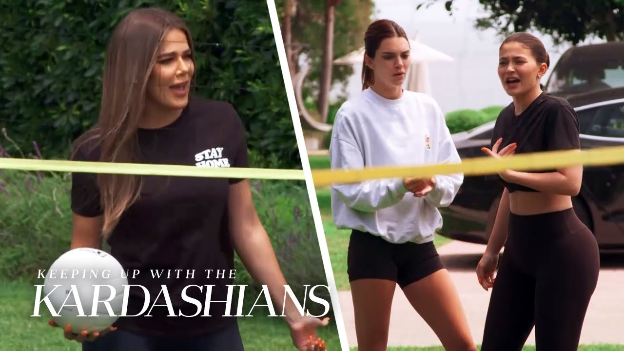 """It's Kardashians vs. Jenners in a """"KUWTK"""" Volleyball Game! 