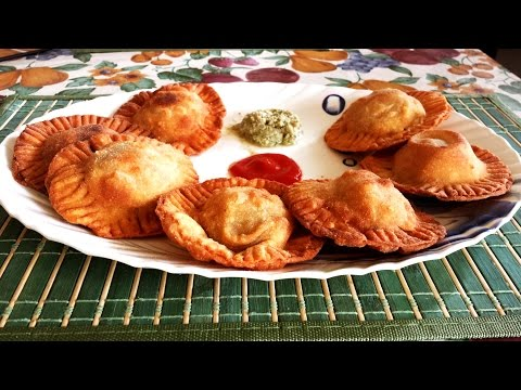 Stuffed Vegetable Puri/Poori | Vegetarian Breakfast/Brunch/Snack recipe