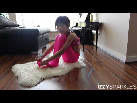 DIY: HOW TO MAKE YOUR OWN MERMAID TAIL WITH IZZY SPARKLES!