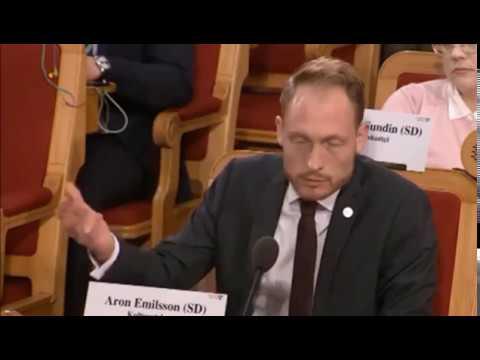 DCF Hot News Paula Bieler (SD) överglänser kommunist Rossana Dinamarca (V) Aktuellt