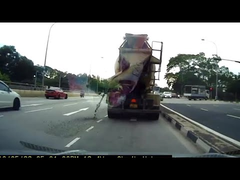 22may2018 WC8525L cement truck spilling cement all over mandai road