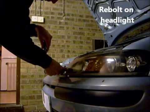 How do you change a headlight bulb on a Fiat Punto?