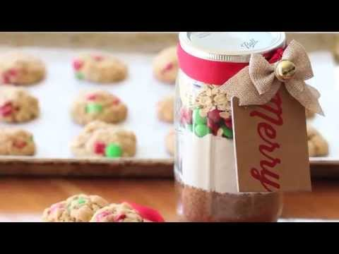 Christmas chocolate cookies in a jar recipe