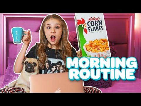 Funny SCHOOL MORNING ROUTINE (Winter 2019) ✏️ ☕️ | Piper