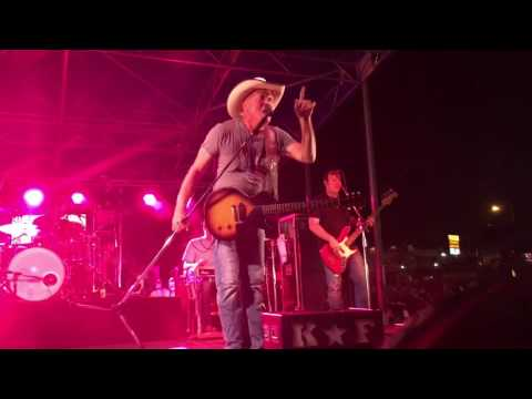 Kevin Fowler - Pound Sign (Live)