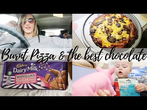 BURNT PIZZA & THE BEST CHOCOLATE | THE SATURDAY VLOG #46 | CARLY ELLEN