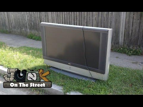 Sony KF-50WE610 Rear Projection TV - Junk on the Street