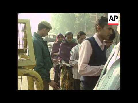 India - Polling gets under way