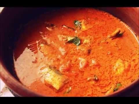 Thenga Aracha Meen Curry(എരിവുള്ള തേങ്ങ അരച്ച മീന് കറി )/Spicy Fish Curry With Coconut