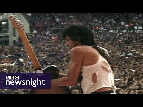 The Rolling Stones' Keith Richards on drugs & rock 'n' roll - Newsnight archives (1982)
