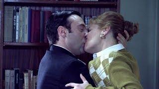 Amar es para siempre - Katherine y el padre Isidro ¡se besan!
