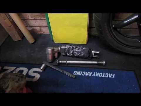 Suzuki Hayabusa - Part 54 - Fitting the Swingarm
