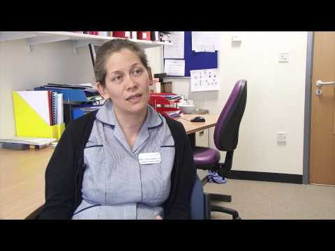 How can families help their relative with dementia who goes into hospital?