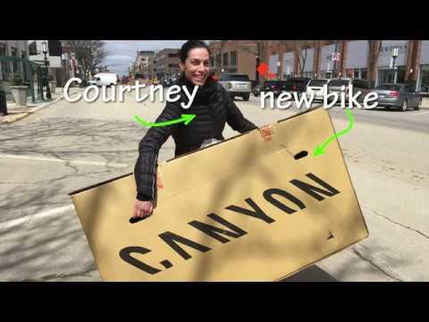 Courtney Unboxes Her 2018 Canyon ENDURACE  WMN CF SL DISC 8.0 DI2