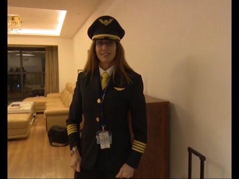 Female U.S. pilot finds new skies to fly in China
