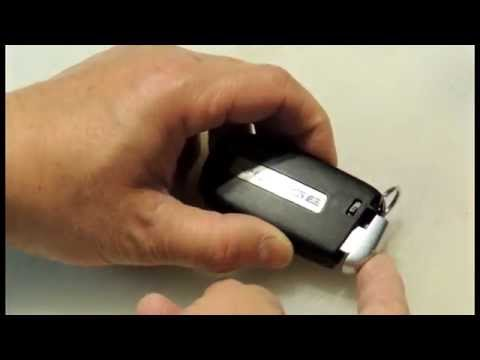 Change battery of 2013 Dodge Journey keyless entry remote without tool