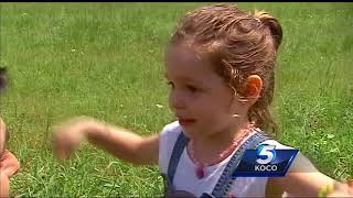 People flock to St. Clair, Missouri, to see eclipse's path of totality