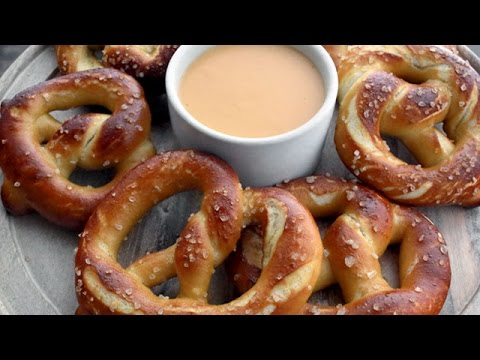 Soft Pretzels With Cheddar Cheese Sauce