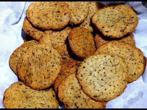 सफ़र की भूख़ में बनायें ऐसा खस्ता नाश्ता जो एक महीने तक ख़राब नहीं होता Snack Recipe Masala Mathri