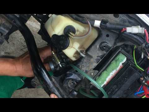 Yamaha Jog carburetor adjustment - Yamaha Jog Vergaser einstellen