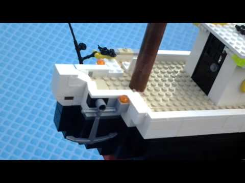 My first lego boat! Floating test