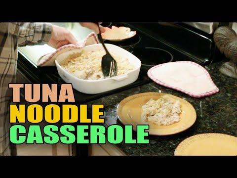 TUNA NOODLE CASSEROLE - EASY DINNER RECIPE