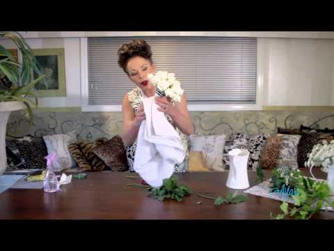 Floristry Tutorial: How to make a Posy Holder Bouquet