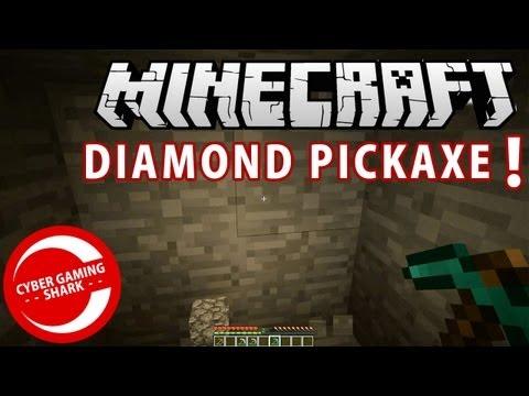HOW TO MAKE DIAMOND PICKAXE MINECRAFT