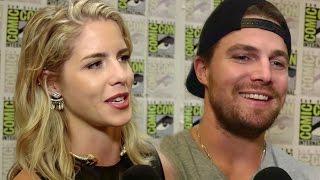 """Arrow Cast Talks """"Olicity"""" Sex Scene & Felicity/Oliver Dating Future - Comic Con 2015"""
