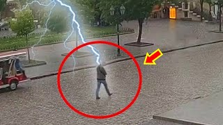 12 Incredible Lightning Strikes that Were Caught on Camera