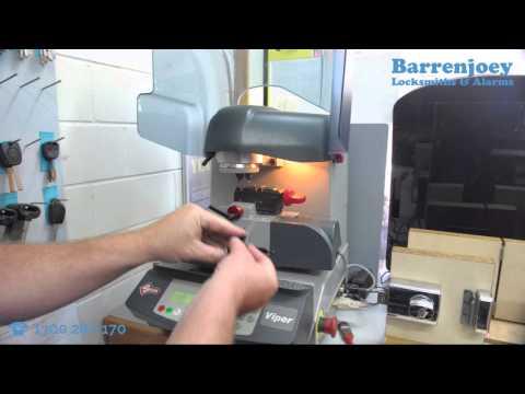 How car key / transponder key copying is done? - Barrenjoey Locksmith