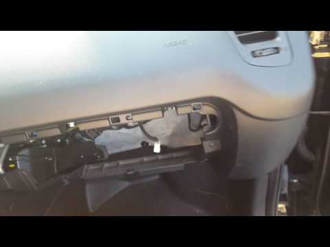 How to replace the heater flap motor on a kia soul
