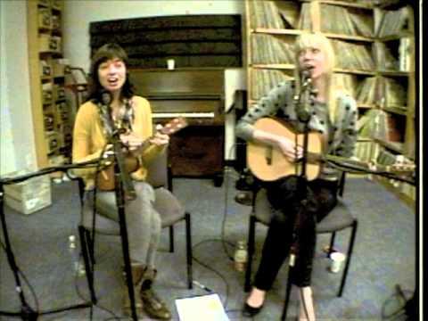 Garfunkel & Oates - Gay Boyfriend (Live on KXLU)