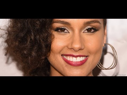 Dark Skin man says LIGHT skin Alicia Keys looks better than DARK skin activist  Rashida Strober