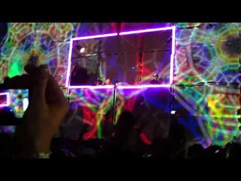 Ultra 2011 Rusko hold on ( great quality )