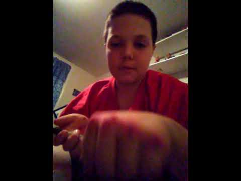 Fake bruise on knuckles tutorial